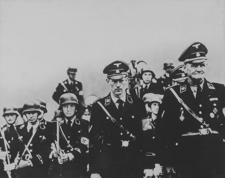 12 autoritratti, 1969, fotografia, 38 x 49 cm